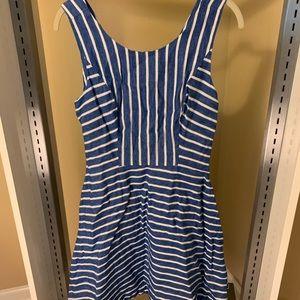 Vineyard Vines V Neck A-Line Swing Dress